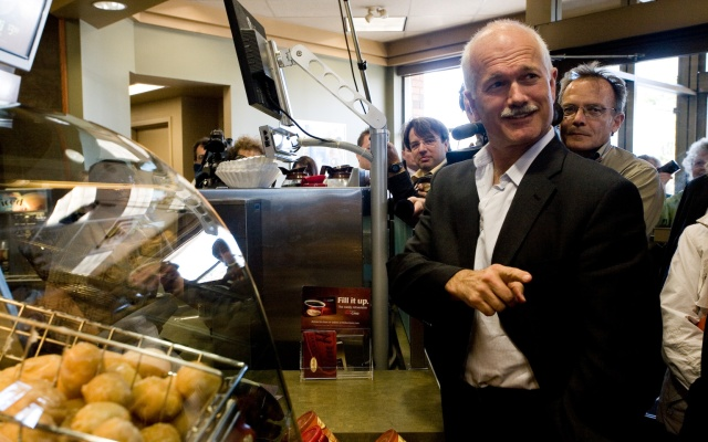 Jack Layton orders coffee.