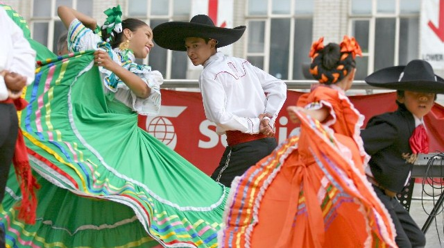 2008_02_whitepeople_mexicanfestival.JPG