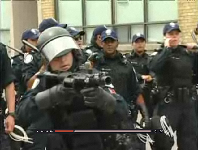 20100630g20-video-detentioncentre.jpg