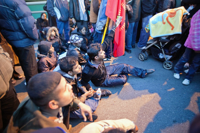 tamilprotest0905_19.jpg
