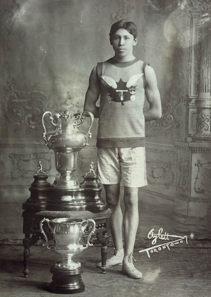 Tom Longboat, the Canadian Runner, April 22, 1907  Library and Archives Canada (C 014090)
