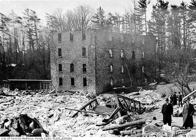 The twisted remains of the bridge, March 29, 1916. City of Toronto Archives. Fonds 1231, Item 326A.