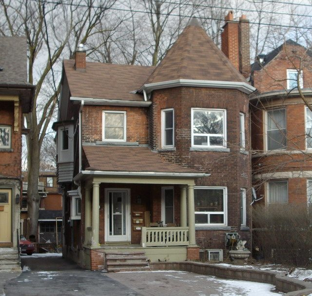 Photo of the house on Walmer Road by Kevin Plummer / Torontoist.