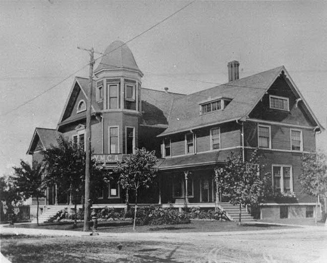 The Railway YMCA, 1903, from the Toronto Reference Library (974 13 10)