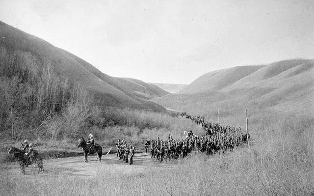 The York and Simcoe Rangers marching near Fort Qu'Appelle by O.B. Buell, 1885. From the Library and Archives Canada (C 001876)