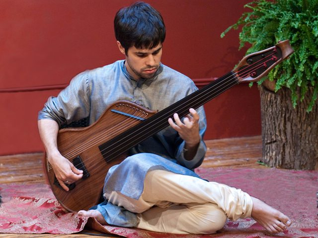 Justin Gray and his Bass Veena. Photo courtesy of Justin Gray.