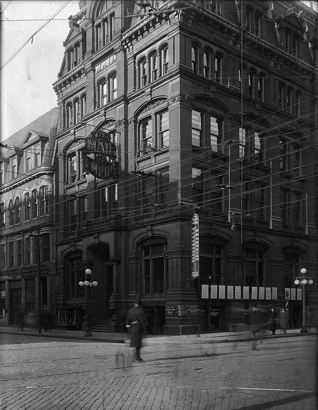 Mail and Empire building, northwest corner of Bay and King streets, December 30, 1913  City of Toronto Archives, Fonds 1231, Item 2037