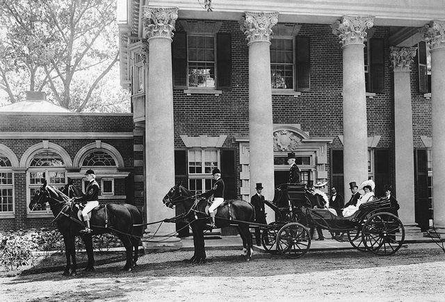 Lord and Lady Minto going to the races from the home of Sir Joseph Flavelle, ca. 1903. From the City of Toronto Archives, Fonds 1568, Item 340.