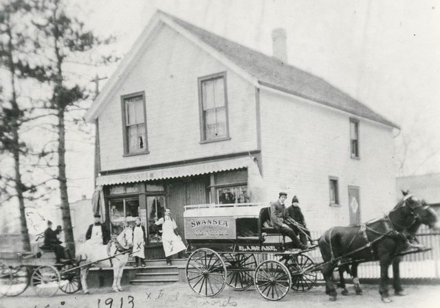 Delivery truck outside Swansea Cash Grocery at the corner of Lavinia Avenue and Morningside Avenue, Swansea, 1913.