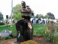 Photo of the Arnold Palmer statue at the Weston Golf and Country Club by Jesse Hirsh. From Flickr via Creative Commons.