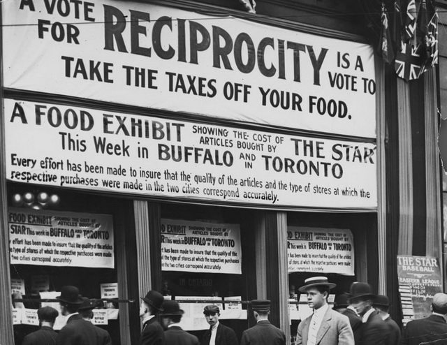 Window display in support of Reciprocity at the Toronto Star building, 1911  From the City of Toronto Archives, Fonds 1244, Item 342