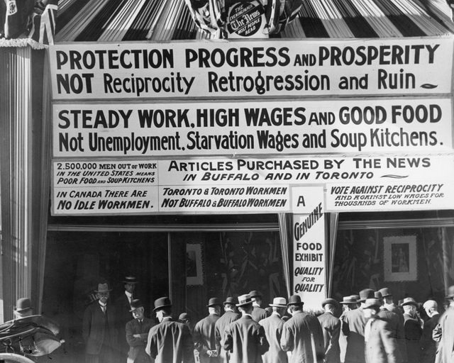 Anti Reciprocity signs on The News building, 1911  From the City of Toronto Archives, Fonds 1244, Item 343