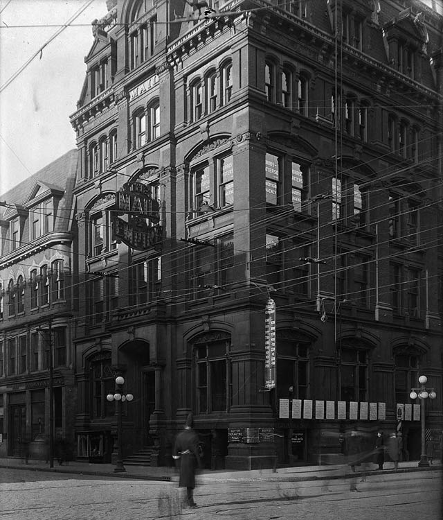 Mail and Empire Building, northwest corner of King and Bay, December 30, 1913  City of Toronto Archives, Fonds 1231, Item 2037