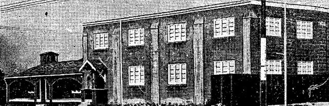 Exterior of the Brown Derby in June 1938, from the Star (June 16, 1938)