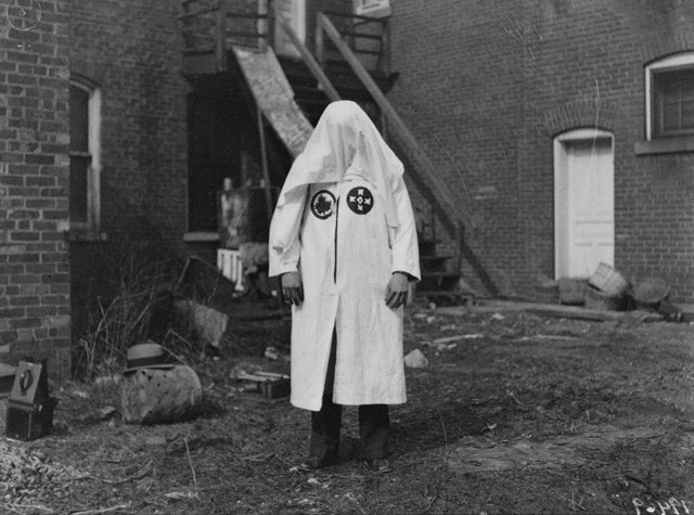 Oakville Klan trial, KKK hood, March 10, 1930  : City of Toronto Archives, Globe and Mail fonds, Fonds 1266, Item 19469