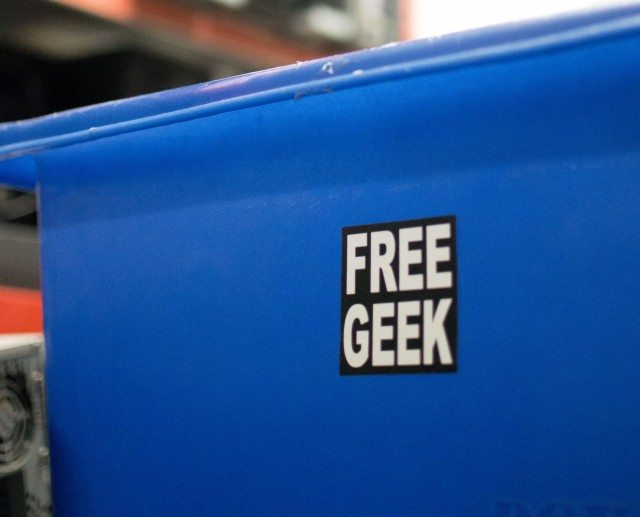 6FreeGeekSticker