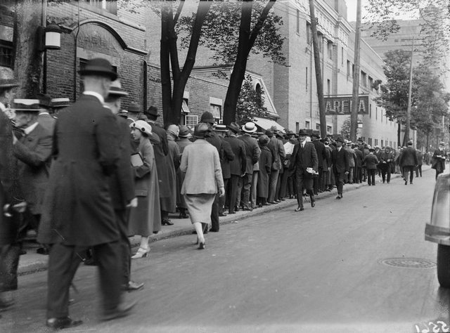 The Mutual Street Arena in 1925.  The crowds shown are lining up for a United Church event.  City of Toronto Archives, Fonds 1266, Item 5561.