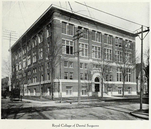 The RCDS School of Dentistry building.  Torontonensis, 1919.