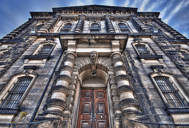 Photo by  ~EvidencE~  From the  Torontoist Flickr pool.