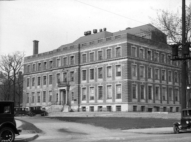 The University of Toronto School of Hygiene building, April 29, 1927.  City of Toronto Archives, Fonds 1266, Item 10360.