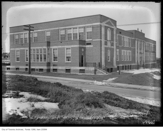Allenby Public School in 1931. Photo from the Toronto Archives Fonds 1266 Item 23394.
