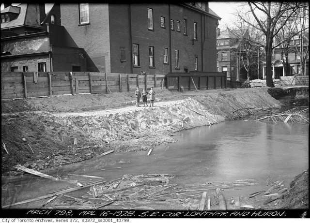 During an excavation at Lowther and Huron in 1928, part of what is possibly Taddle Creek flowed across the ground. Photo from the Toronto Archives Fonds 200, Series 372, Subseries 1, Item 798.