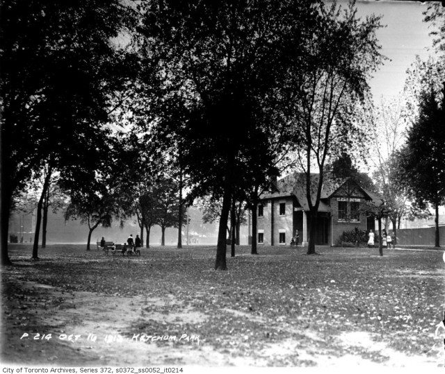 Jesse Ketchum park on October 16, 1913. Photo from the Toronto Archives, Fonds 200, Series 372, Subseries 52, Item 214.