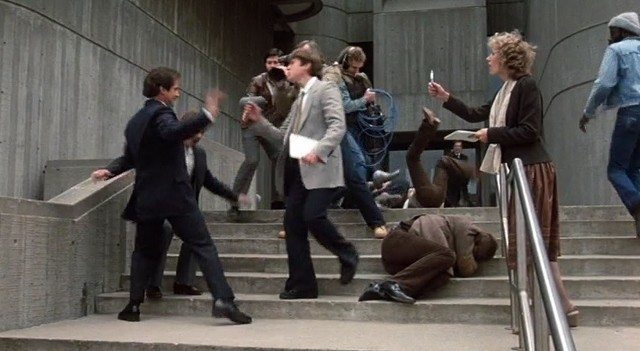 2016_10_04-courthouse-steps-fight (640x351)