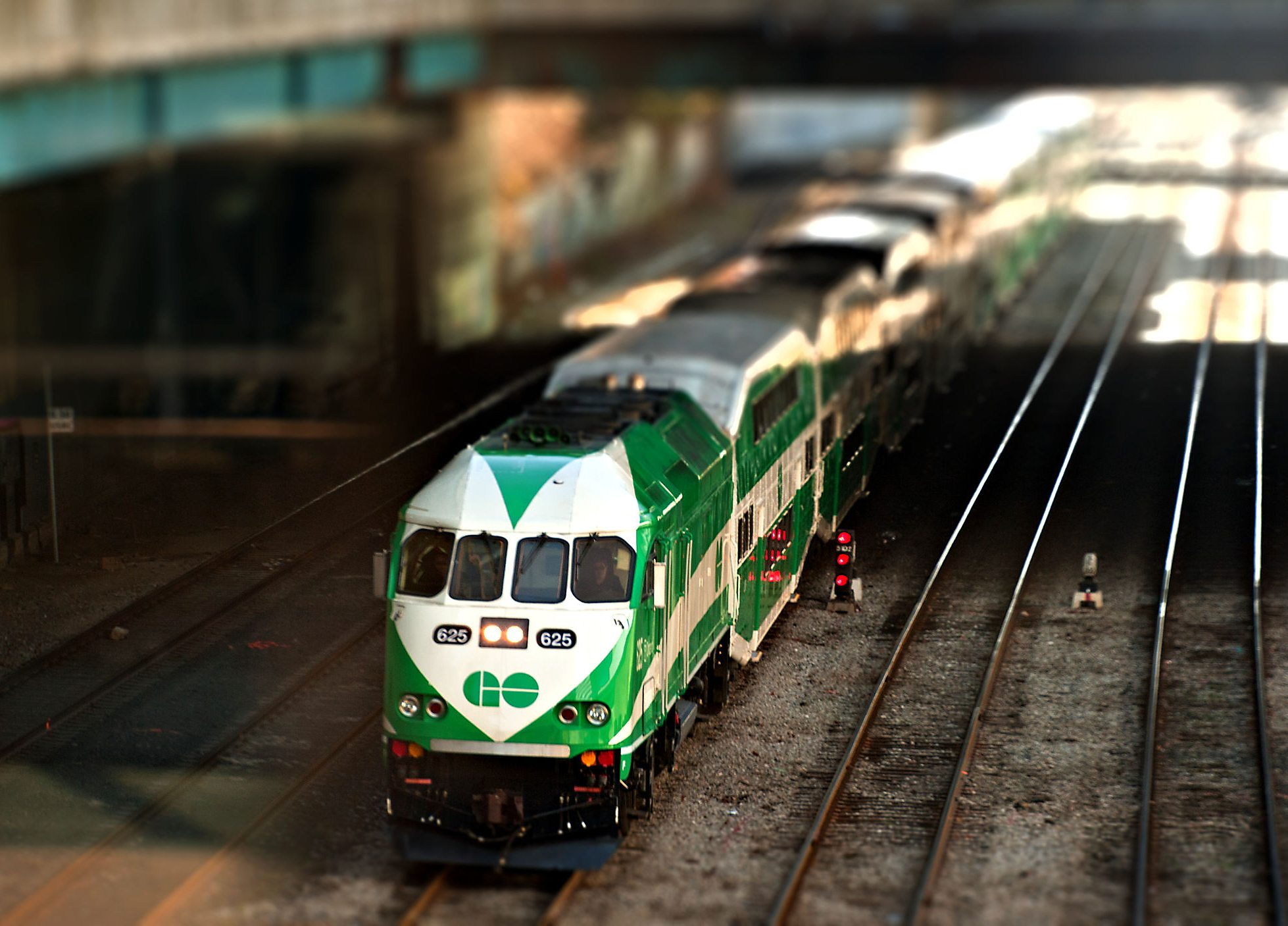 Six Hundred People Got Stuck in GO Train Purgatory for