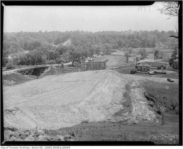 The Don Valley Parkway under construction in 1959. City of Toronto Archives, Finds 220, Series 65, File 59, Item 4.