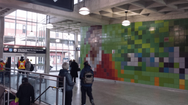 """Something Happens Here,"" in Dufferin station. Photo courtesy of São Paulo-Manitoba."