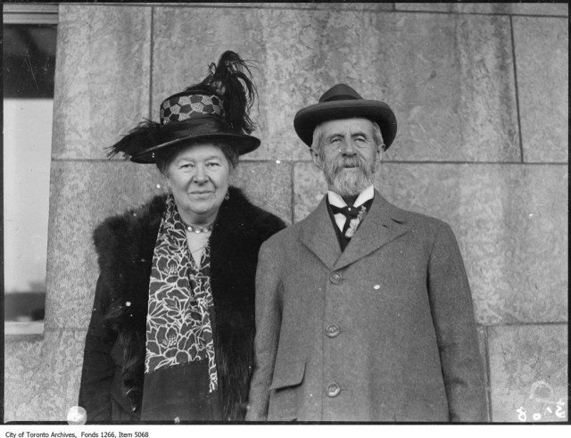 Lady and Lord Aberdeen attend a local council of women meeting in April 1925. City of Toronto Archives, Globe and Mail fonds, Fonds 1266, Item 5068.