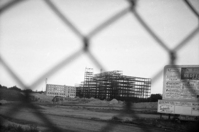 Sunnybrook under construction, 1945.  Courtesy of the Toronto Public Library.