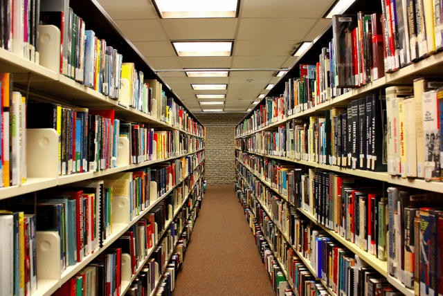 Visits to Toronto libraries rose last year. Photo by MrDanMofo from the Torontoist Flickr Pool.