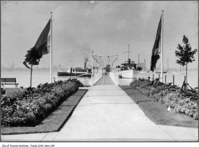 The entrance to the Royal Canadian Yacht Club dock circa 1913. From the City of Toronto Archives Fonds 1244, Item 249.