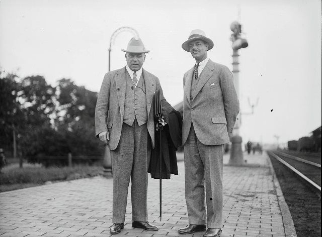 Mackenzie King with William Mulock's grandson in 1930. City of Toronto Archives, Fonds 1266, Item 21150.