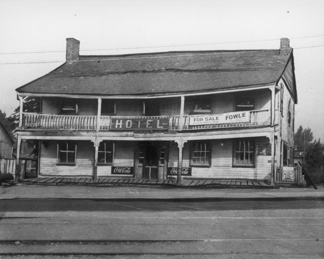 Halfway House Hotel on Kingston Road in 1910. Photo courtesy of the Scarborough Historical Society.