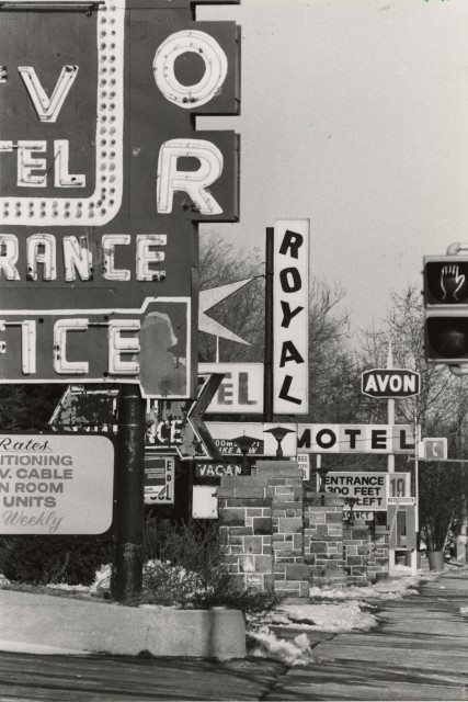 Motel signs on Kingston Road in 1983. Photo by Jim Russell, from the Toronto Star Archives. Provided by Scarborough Arts.