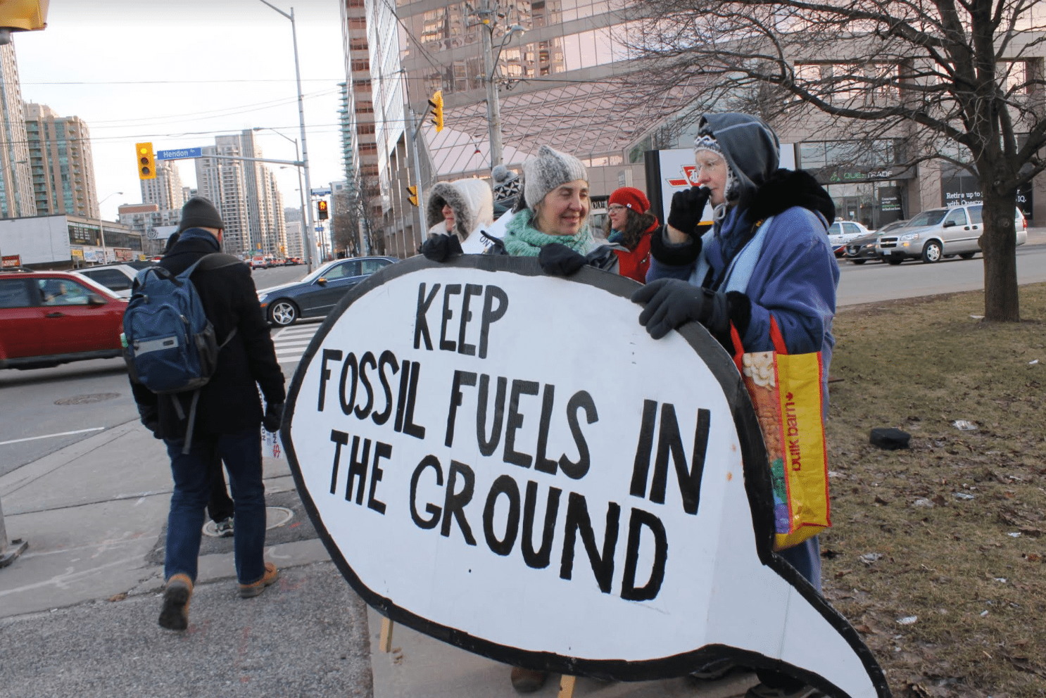 teachers demand that their pensions be divested from fossil fuels
