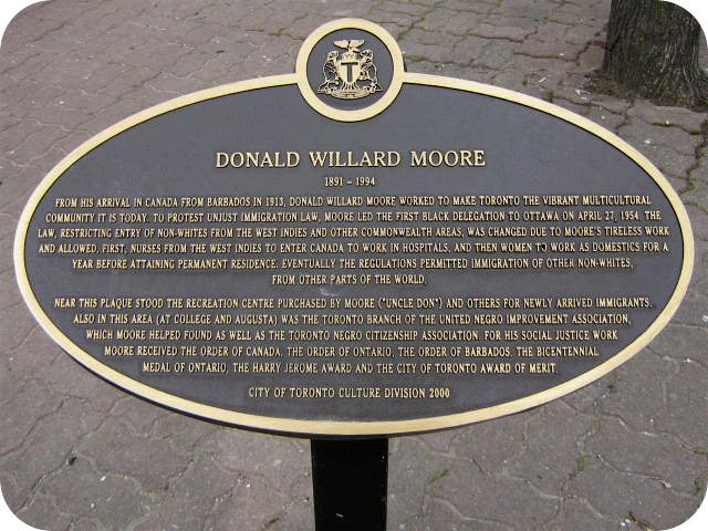 The City of Toronto plaque for Donald Willard Moore. Photo from Alan L. Brown of torontoplaques.com.