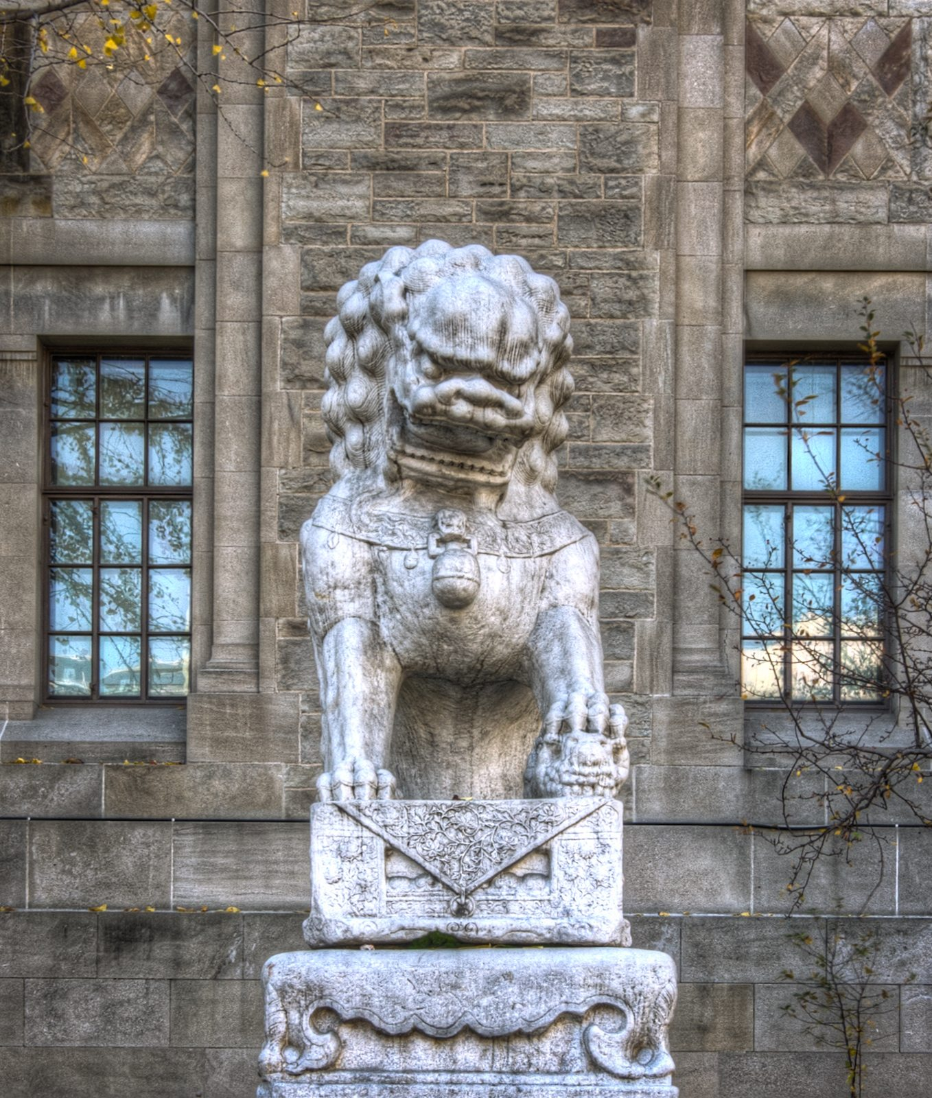 One of the lions near the former main entrance of the ROM. Photo by -Astin- in the Torontoist Flickr Pool.