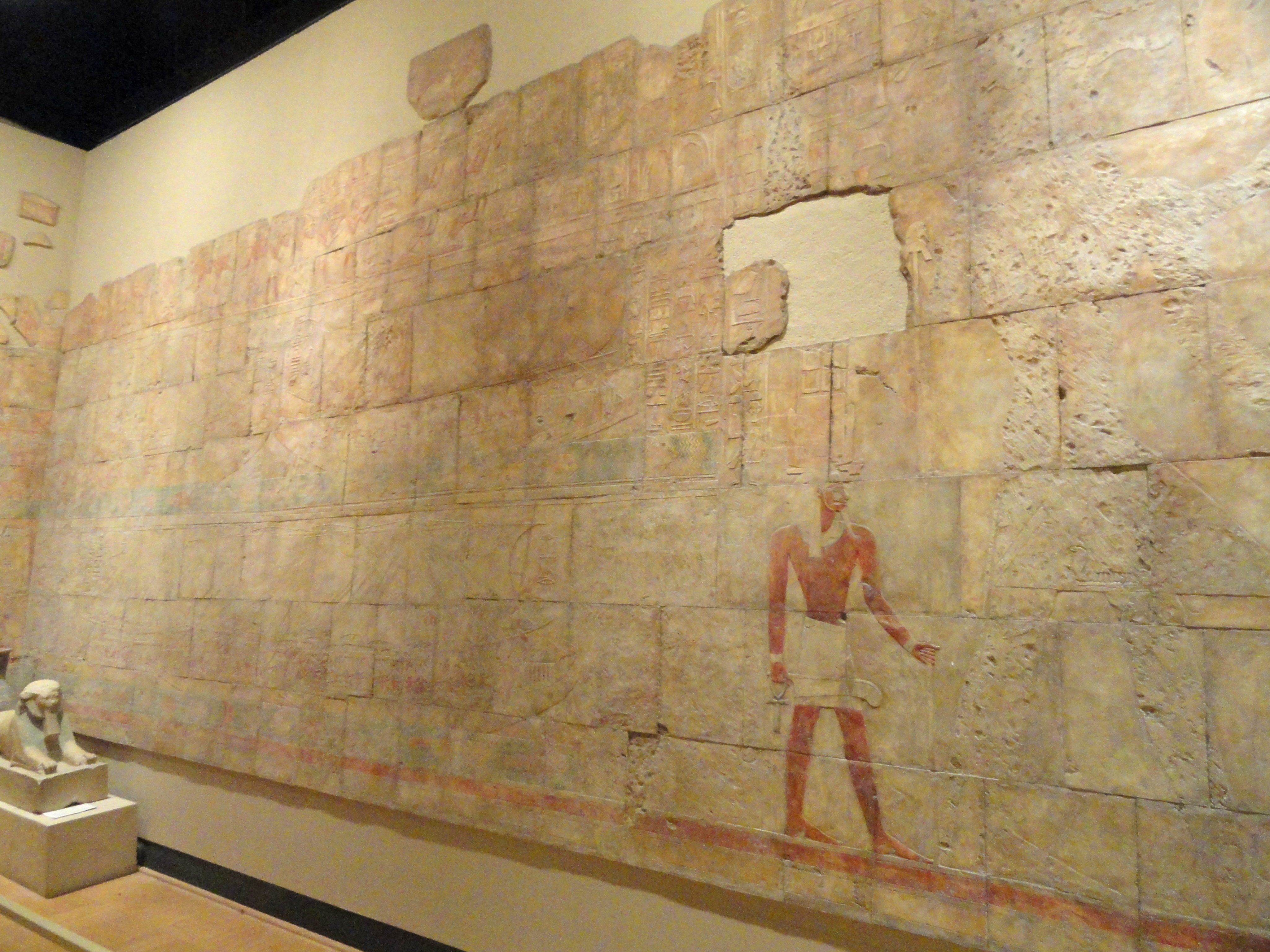 The plaster cast of Pharoah Hatshepsut's voyage to Punt from her tomb at Deir el-Bahri. Photo by Daderot via Wikimedia Commons.