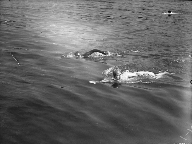 Ernst Vierkoetter, the Black Shark, seen at top, during the 1928 marathon. City of Toronto Archives, Fonds 1266, Item 14724.