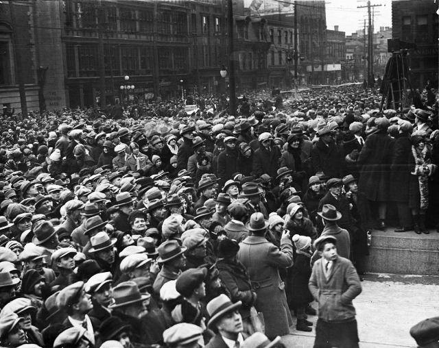 The crowd gathered at City Hall in February of 1927 for the return   of George Young.  City of Toronto Archives, Fonds 1244, Item 1021.