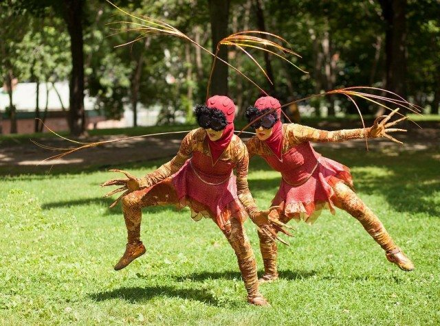 Bouchar Danse's Photuris Versicolor is part of Dusk Dances 2017 in Withrow Park. Photo by John Lauener.