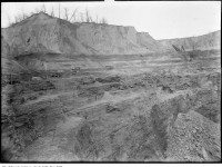 Excavation at the Brick Works in the Don Valley c. 1908. Photo from the City of Toronto Archives Fonds 1244, Item 2475.